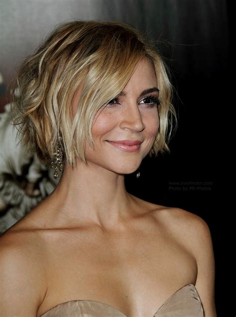 samaire armstrong short  tousled hairstyle colored