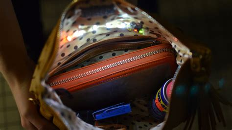 purse lights up inside circuit diagram interior purse light adafruit learning