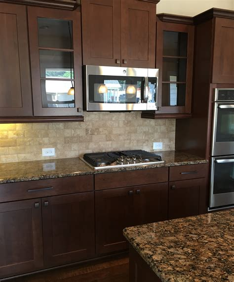 easy to clean kitchen backsplash gourmet kitchen with easy to clean cooktop beautiful