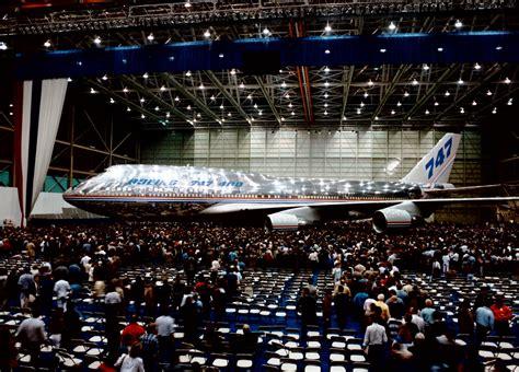 boeing   takes historic final flight delta