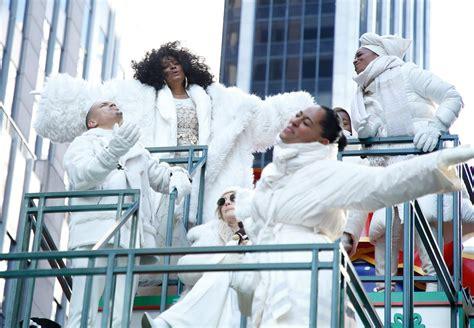 diana ross  family   macys thanksgiving parade