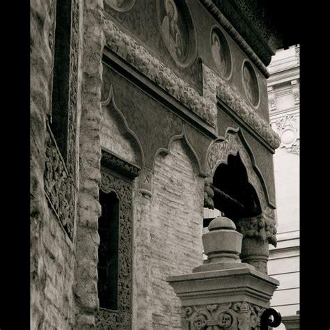 gambar putih dinding monumen cina kolom satu warna