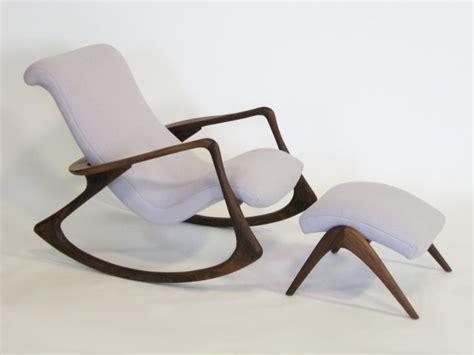chaise à bascule allaitement fauteuil à bascule allaitement
