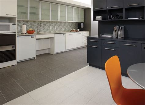backsplash for kitchen countertops 9 best cabinets and countertops images on 4252