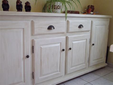 repeindre un meuble cuisine repeindre un meuble en bois sans poncer 9 meubles de
