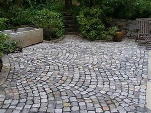 Kopfsteinpflaster In Beton Verlegen : terrasse mit granit auffahrt und carport driveway oprit pinterest patio steps garden ~ Eleganceandgraceweddings.com Haus und Dekorationen