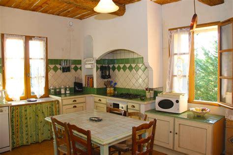 amenagement cuisine provencale cuisine style provencale cuisine style provencale jaune