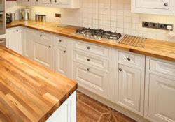 jonction plan de travail cuisine le plan de travail en bois lamellé collé