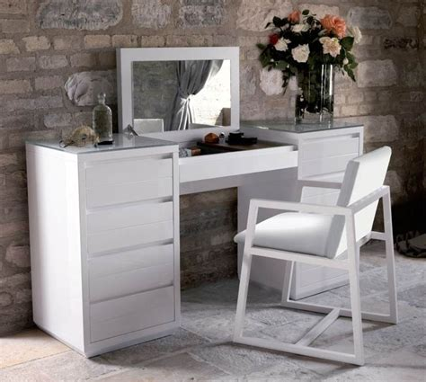 white modern bedroom vanity 25 best ideas about dressing table modern on