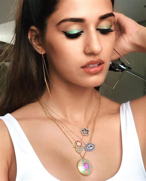 disha patani   give major eye makeup inspiration check