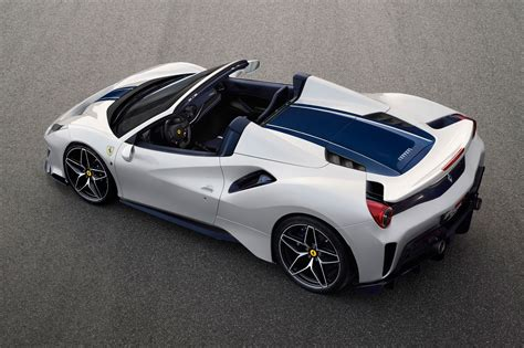 A full option list can be seen below. Ferrari 488 Pista Spider: the 50th-ever convertible Fezzer | CAR Magazine