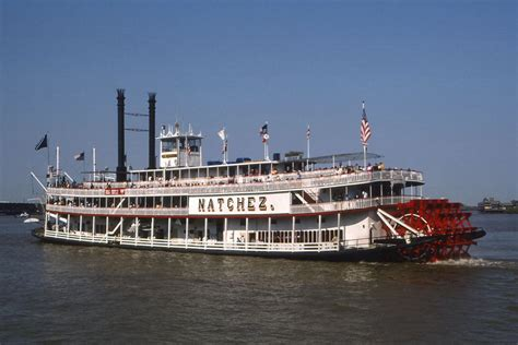 Mississippi River Boat Cruise In New Orleans by New Orleans Riverboat Rides On The Mississippi River