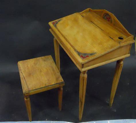 bureau d ordre et d emploi travail 1900 bureau d 39 écolier et tabouret en bois