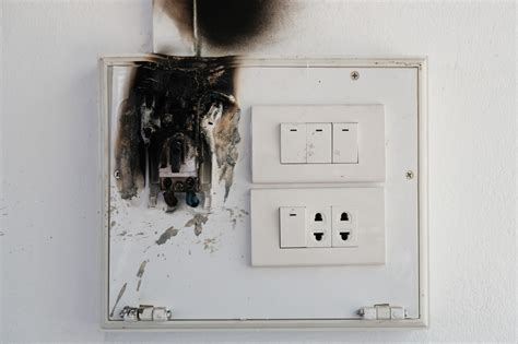 surge whole protector why need power reasons surges electric shocking protect ways sentence kilovolts