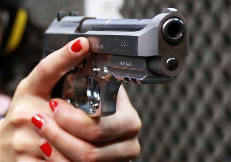 bolsonaro assina decreto  facilita acesso  armas