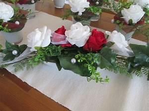 Tischdeko Rot Weiß : 1 tischdeko hochzeit ehrenplatz deko rosen foamrosen taufe kommunion rot weiss in m bel wohnen ~ Indierocktalk.com Haus und Dekorationen