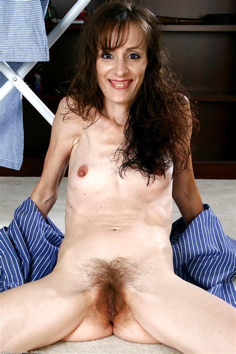 hairy milf sydney