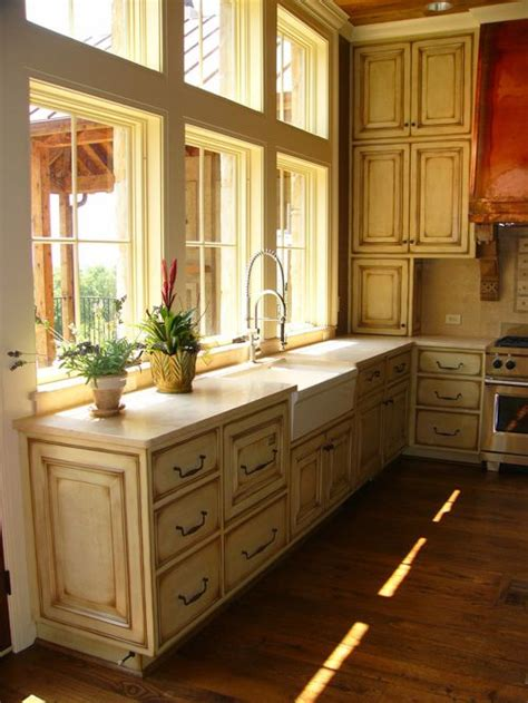 farmhouse kitchen cabinets distressed painted cabinets home design ideas pictures Distressed