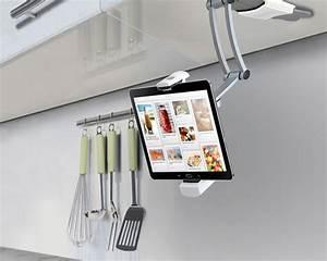 Kuchenhilfe ipad halterung fur kuchenschranke ubergizmo de for Ipad halterung küche