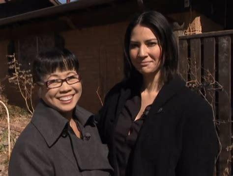VIDEO Olivia Munn with mom Kim Schmid, denies engagement