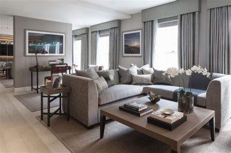 canapé wilson interiors salon marron beige 55 idées de déco chouettes