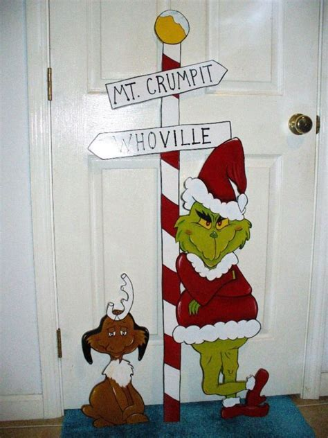 30 Grinch Christmas Decorations Ideas   MagMent