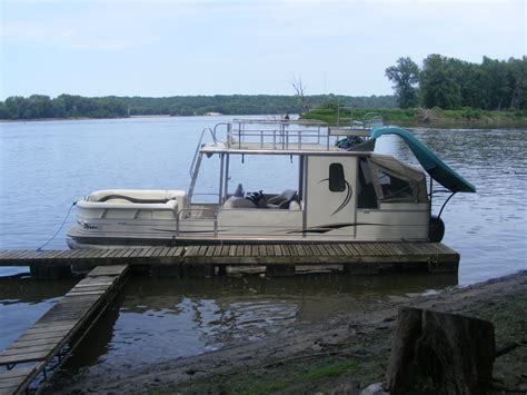 30 Pontoon Boat by Suntracker Hut 30 Boat For Sale From Usa