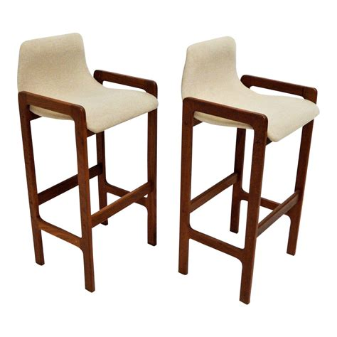 We hand select only the very best modern bar chairs based on their manufacturing, style, comfort and value from the most reputable manufacturers in the us, europe and asia. DScan Mid-Century Modern Teak Bar Stools - A Pair   Chairish