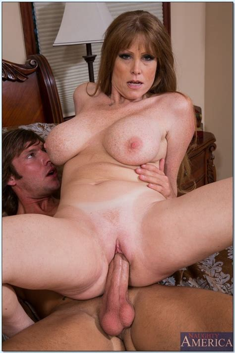 Hot Mom In A Steamy Dog Style Sex Photos Darla Crane