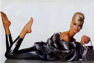 The Orange Book: Supermodel - Linda Evangelista