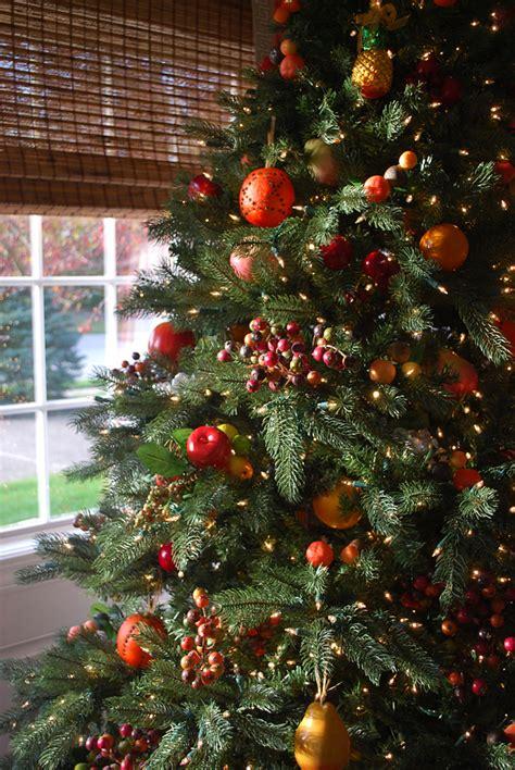 williamsburg fruit tree christmas tree decorating ideas