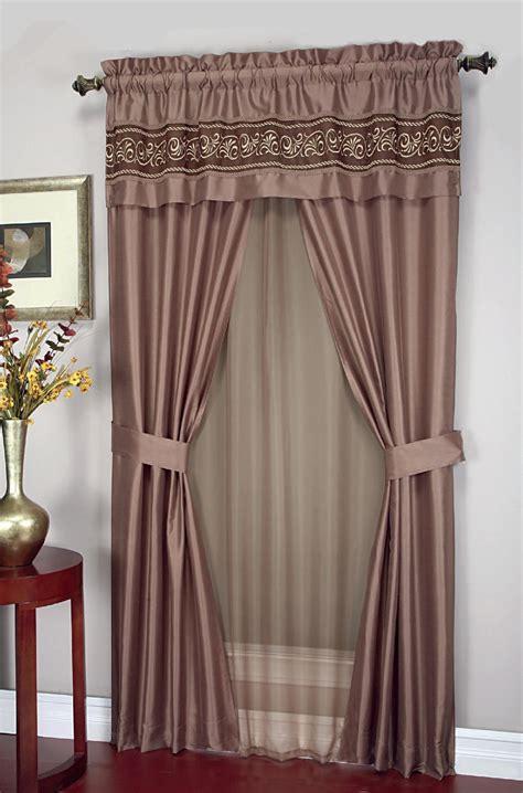cannon  piece curtain set scroll