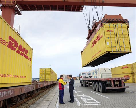 Debenhams Extends Dhl Contract