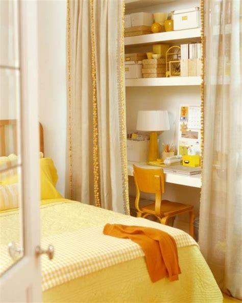 Closet Spaces Reinvented… Hue
