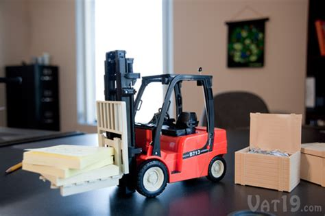 R/c Mini Toy Forklift With Rack, Pallets, Crates, And Boxes
