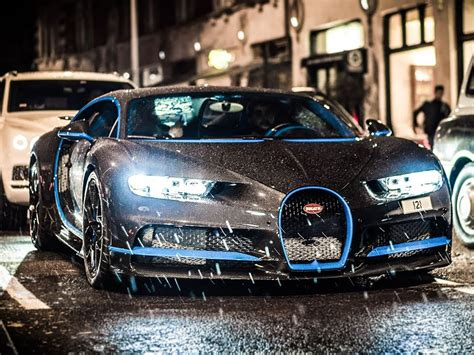 The front end is wrapped in film to avoid being damaged. Bugatti Chiron and its $700,000 paint job - PakWheels Blog