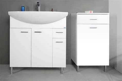Badschrank Weiß Mit Integriertem Wäschekorb Schrank Mit