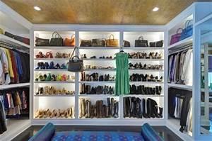 Begehbarer Kleiderschrank Regale : ankleidezimmer ideen planen sie einen begehbaren kleiderschrank ~ Sanjose-hotels-ca.com Haus und Dekorationen