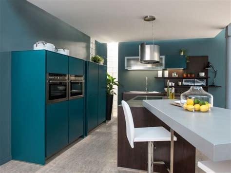 peinture cuisine bleu 17 meilleures idées à propos de cuisine bleu canard sur