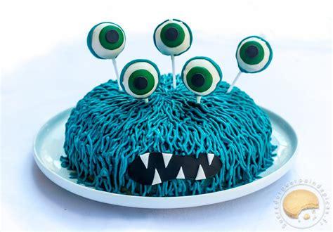 Gâteau d'anniversaire monstrueusement bon : noix de coco ...