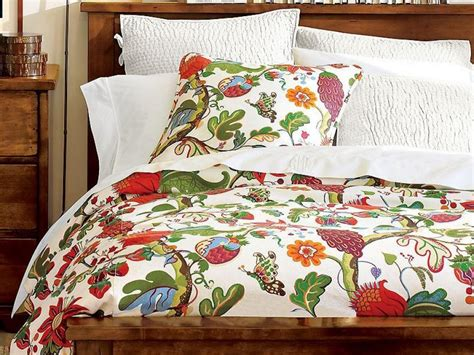 Colorful Coverlets by Colorful And Vibrant Bedroom Linens Hgtv