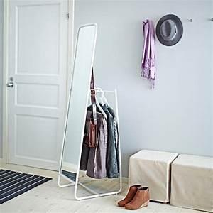 Petit Miroir Sur Pied : comment am nager une petite chambre de 9m petit prix avec ikea ~ Teatrodelosmanantiales.com Idées de Décoration