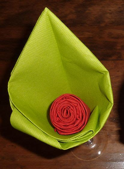 pliage de serviette de table en forme de fleur en forme d arome r 233 aliser lotus avec une