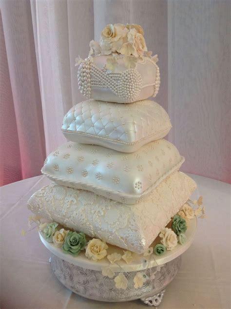pillow wedding cake cakecentralcom