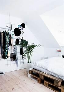 Bett Skandinavisches Design : interieur ideen mit europaletten bett ~ Markanthonyermac.com Haus und Dekorationen