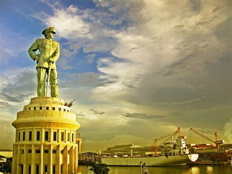 patung jalesveva jayamahe patung tertinggi  surabaya