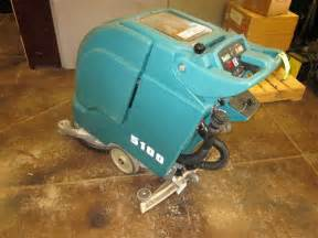 refurbished tennant 5100 17 quot battery powered floor scrubber
