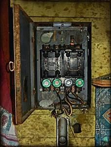 Fuse Box House : miranda has electrical problems old fuse box tenant hous ~ A.2002-acura-tl-radio.info Haus und Dekorationen