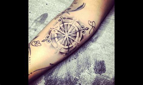 tatouage boussole illustrations  significations