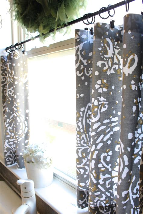 sew cafe curtains day  simple stylings